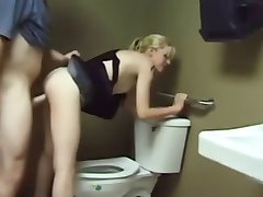 Szar a wc-n