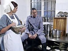 British cameriere in calze scopare in terzetto FFM
