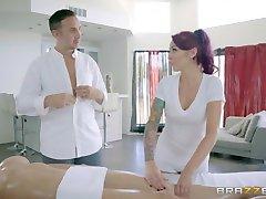 Браззерс - seksowny trójkącik na stole do masażu