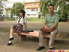 японское подросток трахается в туалете