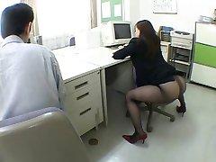 Японская девушка офис сводит меня с ума по airliner1