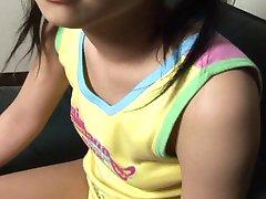 Молодая милашка любит хороший трах