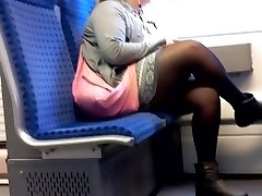 Plumper Woman with Nylon legs candid