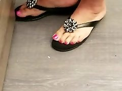 Sexy pink milf toes and feet