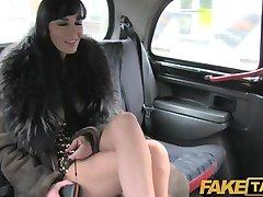 FakeTaxi - сексуальная длинноволосая брюнетка