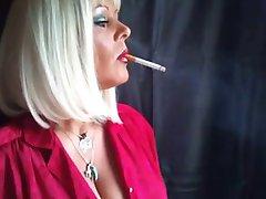 עשן המלכה נאדז ' ה