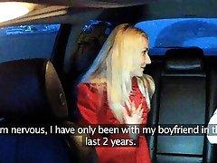 Горячая блондинка Праге салон знает, чего она хочет