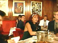 Evro Skupine Seks v Javni Restavraciji!