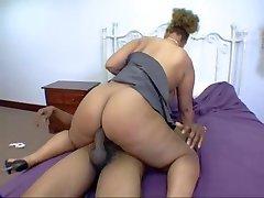 Sexy bbw latin babe gets fucked