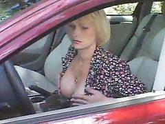 длительный секс в машине грубый т-девушка