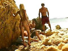 Celia Blanco - समुद्र तट नंगा नाच