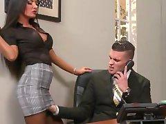 Brazzers - Elicia Solis krijgt kantoor neuken