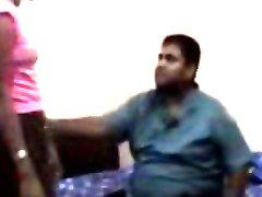 De indiase zakenman neuken met zijn kantoor Meisje van Hotel