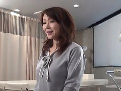 Volwassen Aziatische bezoekt Dokter-door PACKMANS
