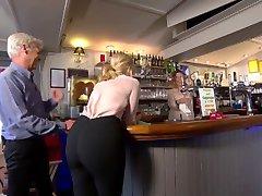 Holly Willoughby - Kont Geschoten in Strakke Zwarte Broek!!