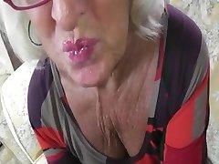 Grigio Nonna Gestisce Un Cazzo