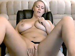 sexy chubby blonde masturbation webcam