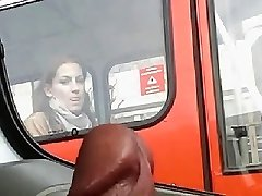 dag på veddeløpsbanen, kan du se på hennes tunge