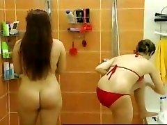 dezbrăcați partea 2: în duș