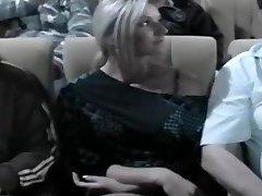 Nikki Betast In De Bioscoop