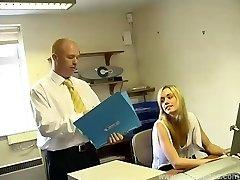 Tiener Secretaris Serveert