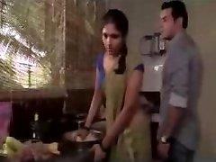 Maid in Mumbai bewerkt uit Liefde te maken scene