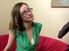 Søt og slank brunette med en BBC