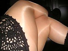Parlak kahverengi külotlu çorap tayt