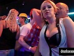 Bisexous pornstars gets honeypots licked in public