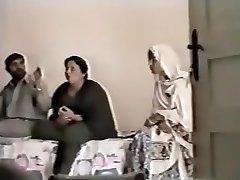 pakistanez lahore matusa fute cu baiatul