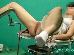 alasti tyttö vastaanotto gynekologi (gyno)