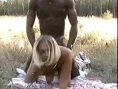 Cuckold Films Zijn Slet Franse Vrouw Met De Afrikaanse Bull