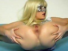 flexibele meisje faust sich