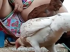deve guardare desi bhabi di alimentazione della gallina