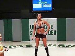 Kåte babes i tag-team wrestling