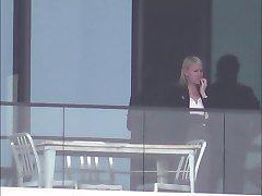 होटल की खिड़की 52