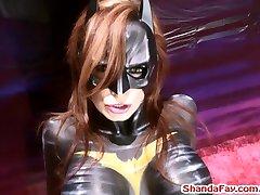 Batgirl Piršto Fucks Žmogus į Subinę?! Shanda Fay!