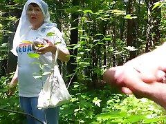 gera močiutė, miško