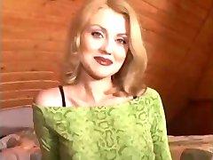 Blond Nicole Och Morfar
