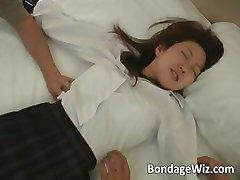 Hot Asian Schulmädchen bekommt Ihre Körper part5