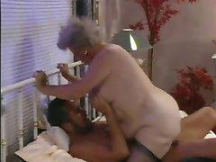 복고풍의 할머니 R20