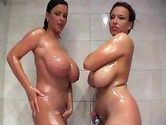 דה מקלחת
