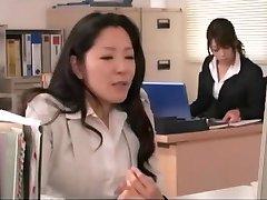 Japanische Schlampen Lieben Weibliche Ejakulation-Dildo