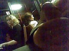 Public Wichsen in der Bahn