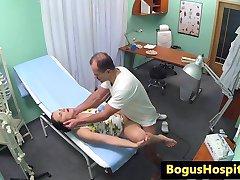 Euro slaugytoja pussyfucked gydytojas biuras