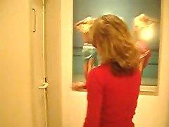 fremder in toilette - Deutsch - csm