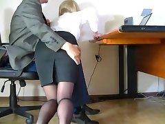 Dold kamera filmade en ödmjuk sekreterare