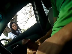 Autó Flash Maszturbálni, Hogy A Lány Cumshot