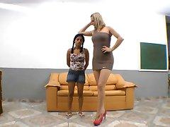 Brazilský závažné pošlapání nohou nadvlády