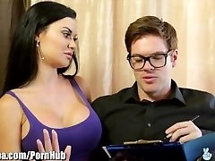 British MILF Jasmine Jae fickt Immigration Officer